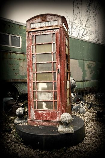 Telaphone Booth Phonebooth Streetphotography Color Old No People Abandoned Nature Day Damaged Run-down Metal Outdoors Decline Rusty Weathered Vignette Deterioration Obsolete