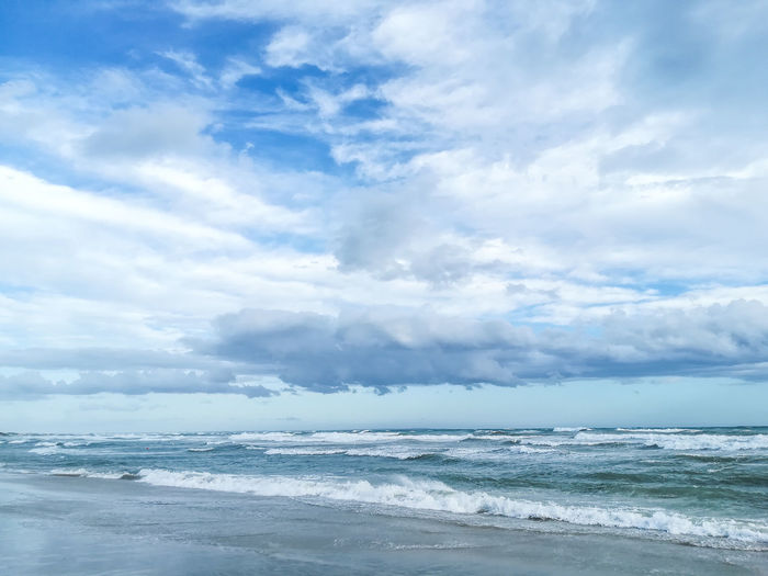 Cloud - Sky Sky Beauty In Nature Water Sea Scenics - Nature Horizon Horizon Over Water Day Wave Nature No People Beach Tranquility Tranquil Scene Outdoors
