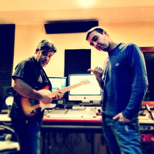 Il mio socio Alex Salis con Franco Melis in piena vena creativa... Alexsaliswelbo AlexSalis Welbo Francomelis newproduction housemusic funky gipsy sardinia sardegna italy italia