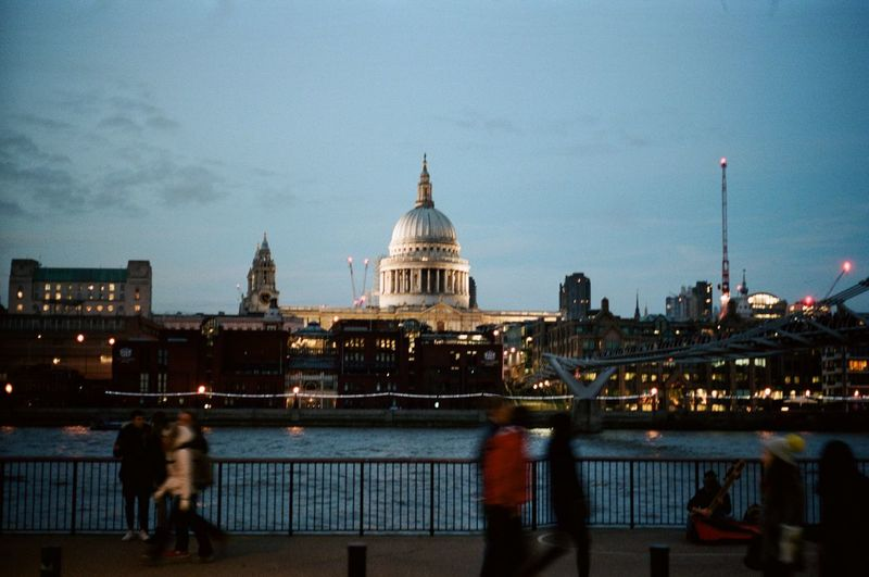 evening glow Film Kodak Skyline St Pauls Cathedral Architecture Blurred Motion Bridge - Man Made Structure Built Structure Dome Film Photography Filmisnotdead Leica River Sky The Big Smoke Tourism Travel Destinations Water