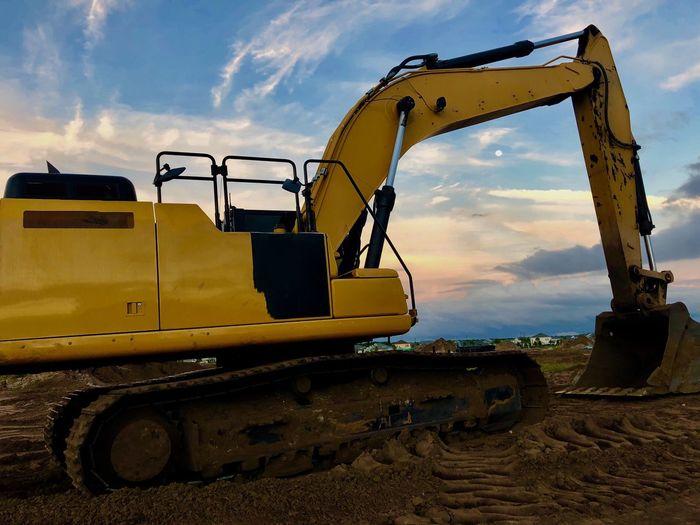 Transportation Earth Mover Sky Construction Machinery Mode Of Transportation Bulldozer Construction Industry