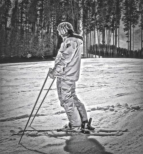 buzz … Adult Buzz Day Full Length Helmet One Boy Only One Person Outdoors Sand Skiing Snow ❄ Standing Sun&snow The Portraitist - 2017 EyeEm Awards Tree Vail Colorado Vail,co