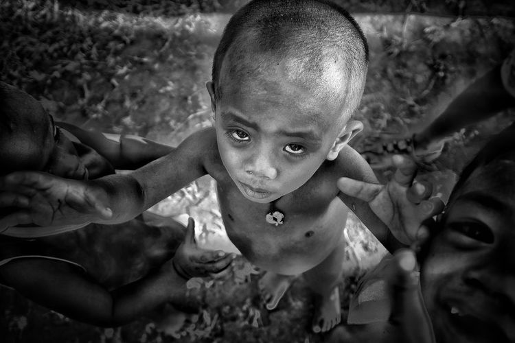 #portraitphotography #portrait #headshot #magnumphotos #fujifilmxt2 #fujifilmph #lensculturestreets #people_infinity_ #fujifilmme #lensculture #spicollective Blackandwhite Blackandwhite Photography Streetphotography Streetphoto_bw Bnw The Street Photographer - 2018 EyeEm Awards The Photojournalist - 2018 EyeEm Awards Child Portrait Childhood Looking At Camera Males  Close-up