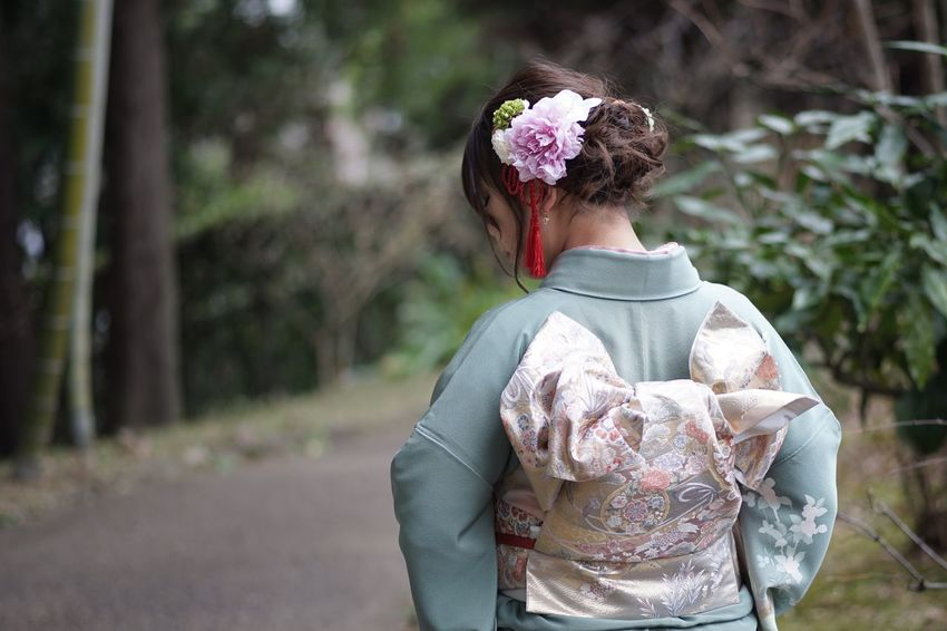 Coming of Age Day Masako201801 105mm Micronikkor Micronikkor105mmf2.8 SONY A7ii Pensive Comtemplation Eyes Closed  Coming Of Age Coming Of Age Ceremony Coming Of Age Day Kimono Japanese Garden Rear View Tree Outdoors One Person Real People Standing People