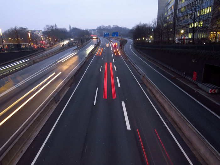 Transportation Road Motion City Road Marking Marking Street Architecture Traffic Long Exposure Speed Mode Of Transportation Light Trail Multiple Lane Highway Highway Blurred Motion Illuminated Essen Ruhrgebiet A40 Autobahn Cars Car Direction City Street