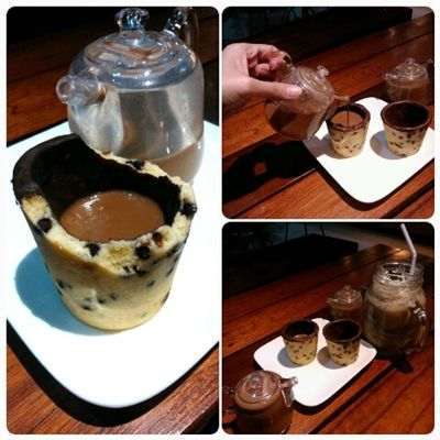 Cookie mug! Mug made of cookie ☕ Swak sa lasa sa presyong medyo abot kaya ahihi. Foodporn Sweet
