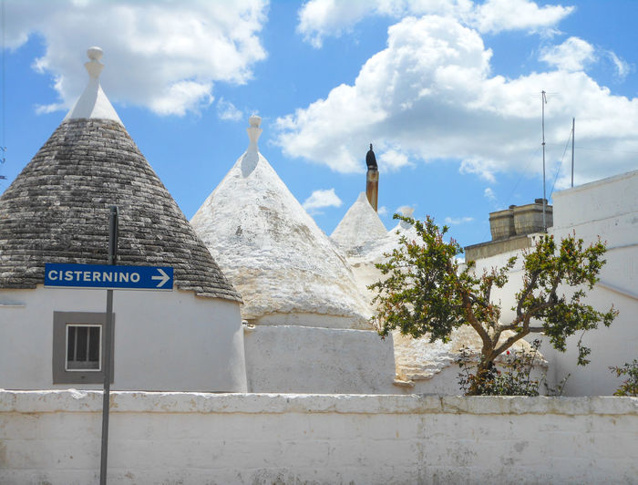 Trulli, traditional old houses in Cisternino, valle d`Itria, Puglia, Italy Alberobello Cisternino Puglia Roof Tree Ancient Architecture Architecture Building Exterior Built Structure Italy Nature No People Old Houses Outdoors Trulli Trullo Valle D'itria
