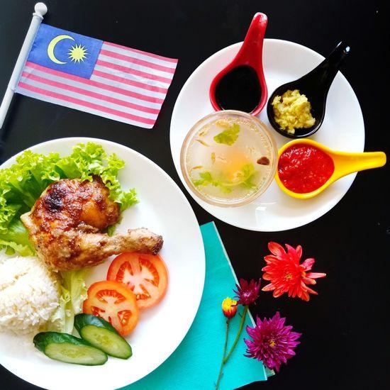 Nasi Ayam Malaysia/Malaysian Chicken Rice Merdeka Day Dish Merdeka Day Celebration Malaysian Malaysian Food Flag Chicken Rice Plate City High Angle View Close-up Food And Drink