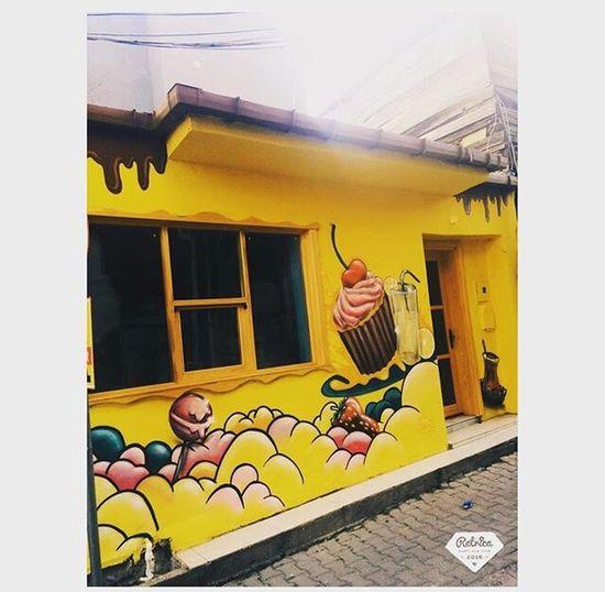08:25 🍩🍪 Cengelkoy Morning Wall Art Streetart Objektifimden Benimkadrajim
