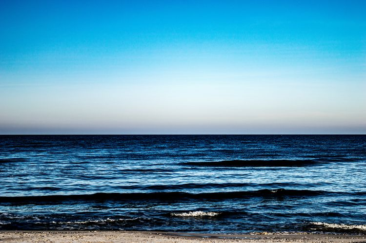 Sea Blue Horizon Over Water Sky Scenics Clear Sky Water Nature Beach No People Day Beauty In Nature Outdoors Wave Misdroy-poland MiędzyzdrojeMiedzyzdroje, Poland Poland Baltic Sea Polnische Ostsee Ostsee