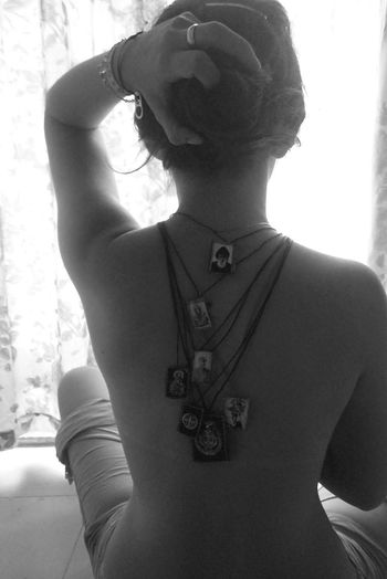 Las penas van atrás. WithNathalie #NotYourCliche Escapulario Young Women Women Portrait Front View Human Neck Personal Perspective