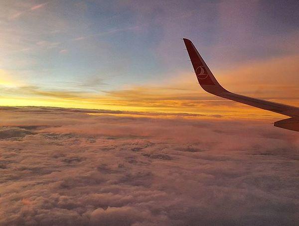 Моя слабость - небо на рассвете. Astrakhan YouAst Instrakhan Helloastrakhan Instadaily Instrakhan Sky Clouds Plane Turkishairlines