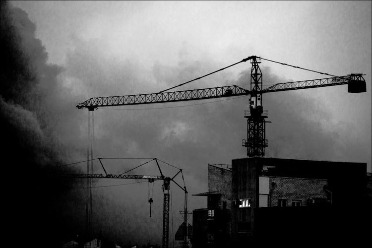 Steel animals City Storm Architecture Black And White Blackandwhite Photography Building Clouds Clouds And Sky Crane Crane - Construction Machinery Cranes And Construction Low Angle View No People Sky Steel