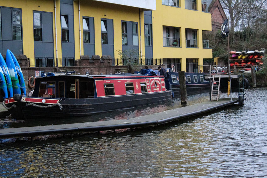 Pirate&castle Water Mode Of Transportation Transportation City Day Waterfront Canal Candemlock Regentscanal City Londres London City Life Inglaterra Travel Destinations Winter Tourist Destination Travel EyeEmNewHere CandemTown Adventures In The City Visual Creativity Nature No People