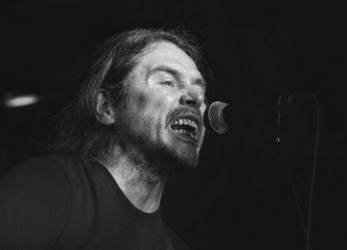 Singer  Калинов