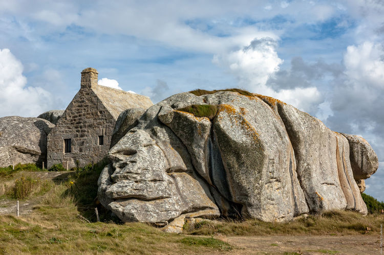 Poste de garde de Meneham Ancient Bretagne Bretagnetourisme Brittany Brittany Sky Famous Place Finistere Guardhouse History House Kerlouan Meneham No People Old Outdoors Rock Rock - Object Rock Formation Stone Stone - Object