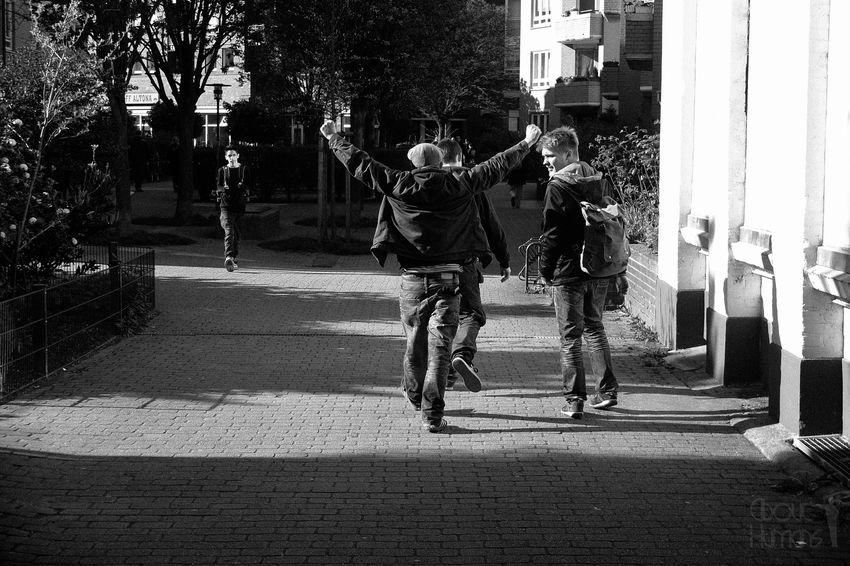 Streetphoto_bw Blackandwhite Street Photography Streetphotography_bw Streetphotography Street Hamburg Streetphoto People