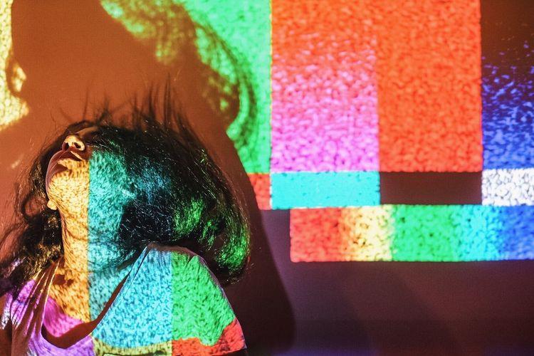 Addicted Addiction Binge Binge Watching Color Hair Hulu Netflix Portrait Television Tv Woman Capturing Movement The Portraitist - 2016 EyeEm Awards