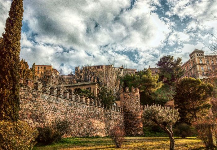 Toledo Spain Spain ✈️🇪🇸 Culture Trip Enjoying The View Medieval Old Town Old Eyeemphotography Castle Travel Photography Castle View  View Shoot Viajar España España🇪🇸 EyeEm Best Shots Medieval Architecture Eye4enchanting SPAIN Europe Europe_gallery Traditional Culture MedievalTimes