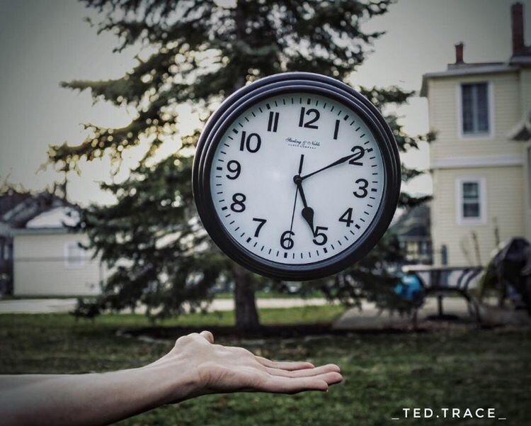 Clock Time Clock Face Hour Hand Minute Hand Instrument Of Time Human Body Part Day Canonphotography Canon50D Photography Photooftheday Teenager Close-up Outdoors Nature Photo Foalting Photography In Motion Photoshop Handmade
