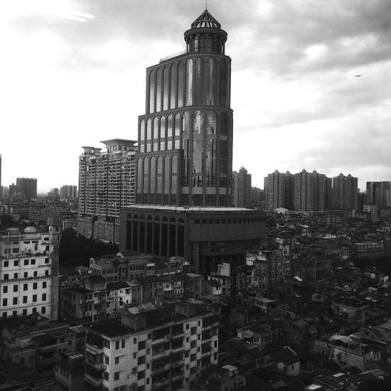 Bulding Hello World Taking Photos Sky EyeEm Best Shots - Black + White Today :) Black & White Eye4photography