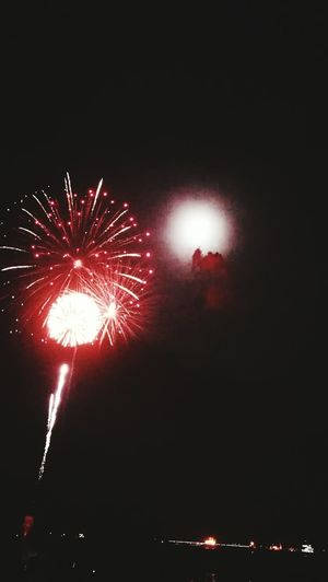 Año Nuevo  Exploding Firework Display Firework - Man Made Object Celebration Arts Culture And Entertainment Night Event