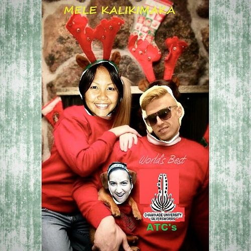 Merry Christmas from your favorite athletic training staff! Familyphoto Melekalikimaka