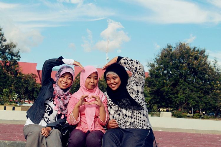 Taking Photos Girls Hijabi My Bff <3