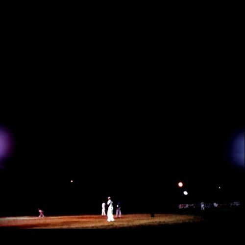 This is Iphonegraphy Iphonephoto 3g Jueguito de softball al lao de casa la barriada Night