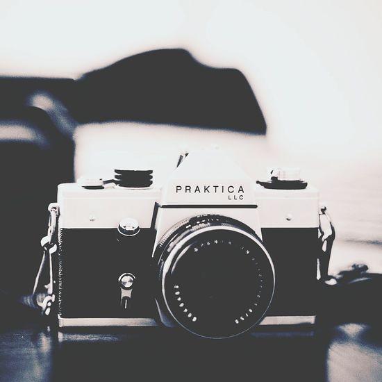 A camera Camera Camera - Photographic Equipment Camera Work Dark Darkness And Light The Street Photographer - 2016 EyeEm Awards The Great Outdoors - 2016 EyeEm Awards The Explorer - 2015 Eyeem Awards
