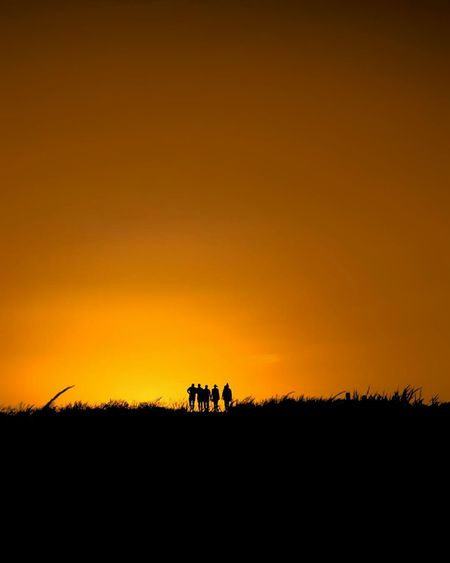 I'll be there for you, like I've been there before. «Friends» #fromtheworld . Sunset Silhouette Nature Sky Outdoors Landscape Friends Friendship Minimalism Minimal Atardecer Shadow Sun Sol Amigos Amistad Travel Travel Photography Almería Almería Spain Mojacar SPAIN España Playa De Los Muertos First Eyeem Photo The Great Outdoors - 2017 EyeEm Awards Neighborhood Map EyeEmNewHere