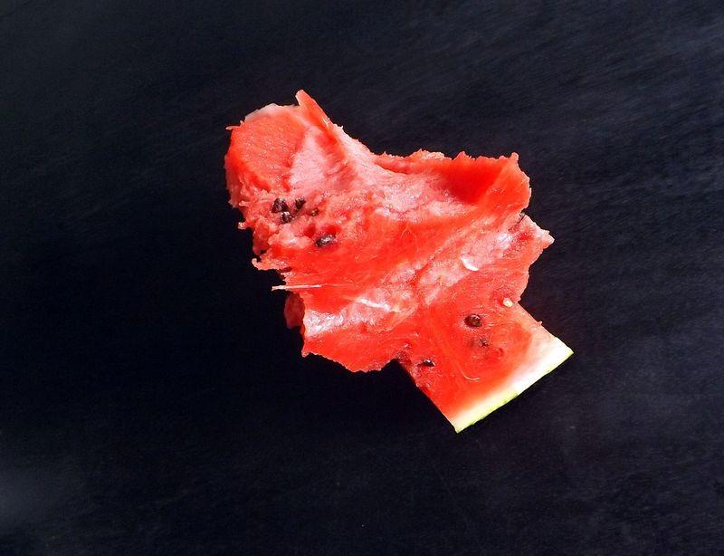 Aliment Alimentation Black Background Close-up Day Frais  Freshness Fruit Graines Grains Healthy Eating Hibiscus Indoors  La Force La Vie No People Pasteque Red Rouge Studio Shot