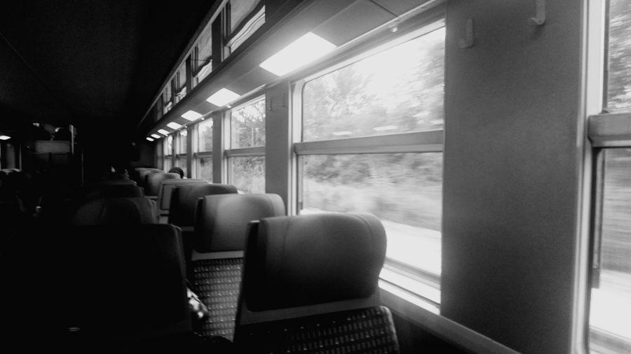 🚃 wagon le havre ⚓ St Lazare Trip Voyage Ecolo Peu Carbone St Lazare Xperiaz 3compact Intercite Le Havre Sncf Wagon 🚃 Train 🚂 Siège 💺 Window