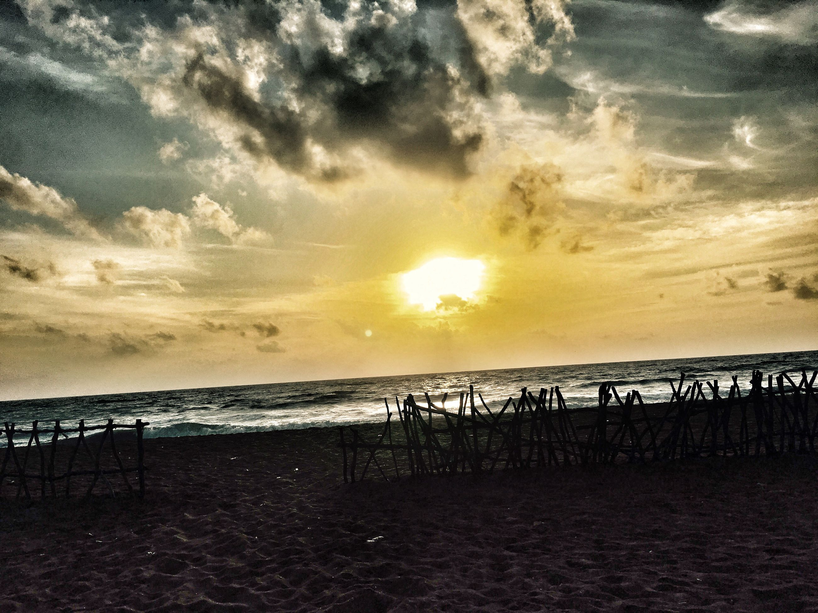 sky, sunset, sea, scenics, water, tranquility, cloud - sky, beauty in nature, beach, no people, nature, outdoors, tranquil scene, sun, horizon over water, day