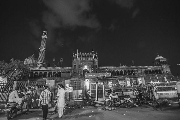 Showcase April Old Delhi Jama Masjid The Street Photographer - 2018 EyeEm Awards