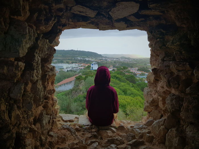 EyeEmNewHere EyeEm Nature Lover Castle Nature Watcher On The Wall Silhouette Rear View Ancient Civilization Sky Medieval