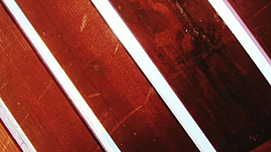 Looking up, and taking photos.. the wood and the sun light... simple photo... but i like it.. Taking Pictures Wooden Texture Nautral Sunlight  Just Looking Up... Taking Photos Take Photos Eye4photography  Wood - Material Wood Photography