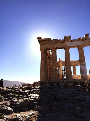 Sun hiding behind the Parthenon Ancient Architecture Masterpiece Ruins Parthenon Sun Sky Eye4photography  AMPt_community Your Ticket To Europe