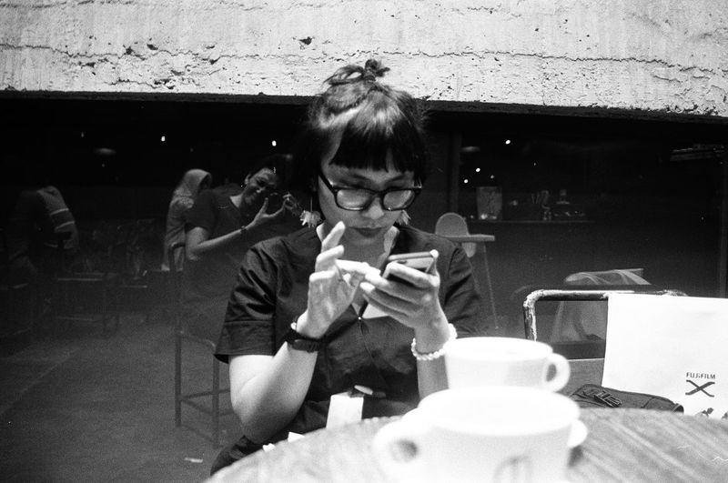 Sneak shot. Kodak TMax 400 Filmphotography Bestfilmphoto Indo35mm Blackandwhitephotography Bw Analogphotography 35mm 35mmphotography Ishootfilm Canon Canonphotography Filmisnotdead Kodak T-max 400 Kodak INDONESIA Young Women Women Portrait First Eyeem Photo
