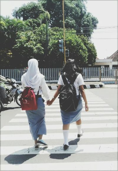 Hello World Check This Out Enjoying Life Taking Photos RePicture Friendship The Human Condition Popular Photo Portrait People Going To School