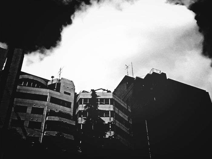 Blackburn Blackandwhite Japan Streetphoto_bw Lookingup