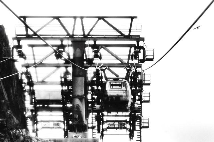EyeEm Selects Skilift Ski Gondola Nikond750 EyeEm Best Shots Eye4photography  Transportation Austria Tirol  Ontopoftheworld Mountain Hintertuxer Gletscher Artistic ArtWork Engineering Blackandwhite Ski Rocks Vision Lift Alps Nikon Full Frame Technology Skyline