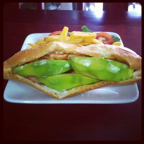 Sayn hello Avocado Chicken Sandwich for 2$ in #hue #vietnam Vietnam Huế