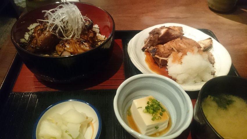 焼き鳥丼とマグロのかま Lunch