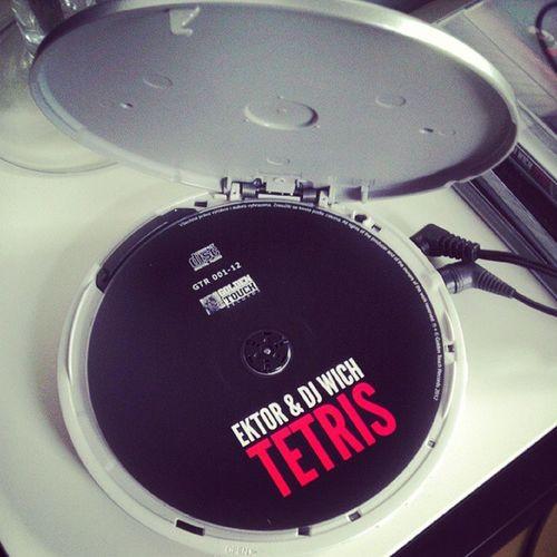 Listening to DJWich Ektor Tetris