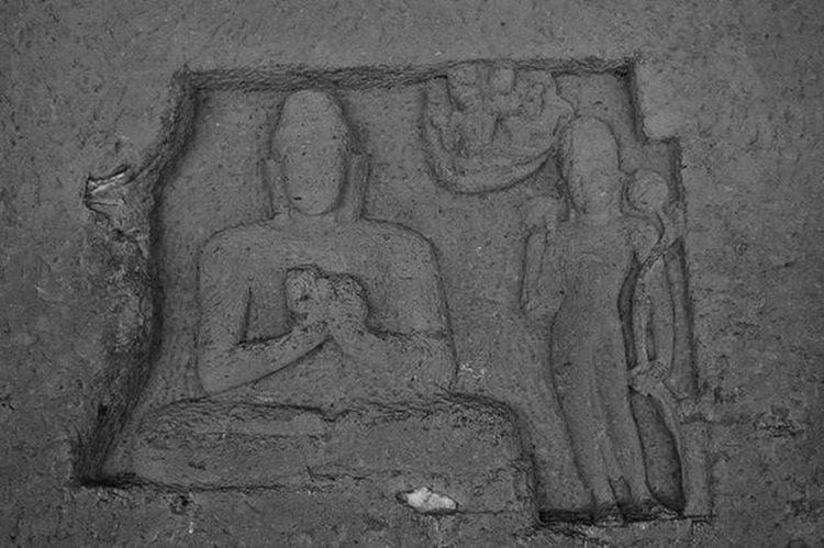 Travel Explore Sgnp Kanhericaves Blackandwhite Rockcut Monument Buddist Influence Artandculture Sculpture Buddha Meditation