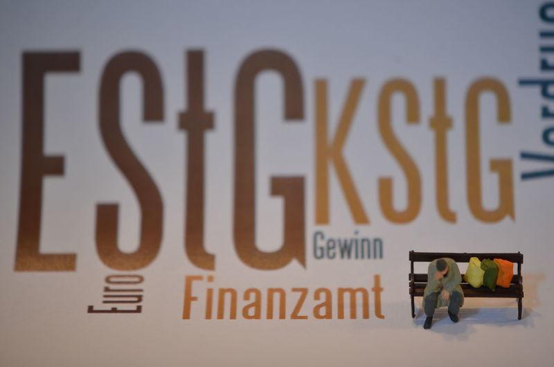 EStG Einkommenssteuer Desperation Finanzamt Law Politics Steuern Taxes Verzweiflung