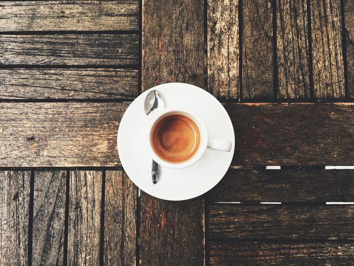 Table Drink Wood - Material Food And Drink Refreshment Coffee Cup Coffee - Drink Directly Above Saucer Indoors  Freshness No People Close-up Frothy Drink Day Froth Art Coffee First Eyeem Photo