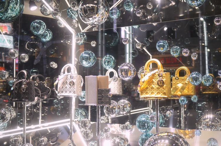 Window Display Photography Window Display Glitter Mirror Spheres Mirror Balls Reflection Night Lights Lines And Shapes Pattern Pieces Lines And Patterns Light And Shadow Night Snapshot Taking Photos December2016 Ginza At Night Tokyo,Japan EyeEm Best Shots