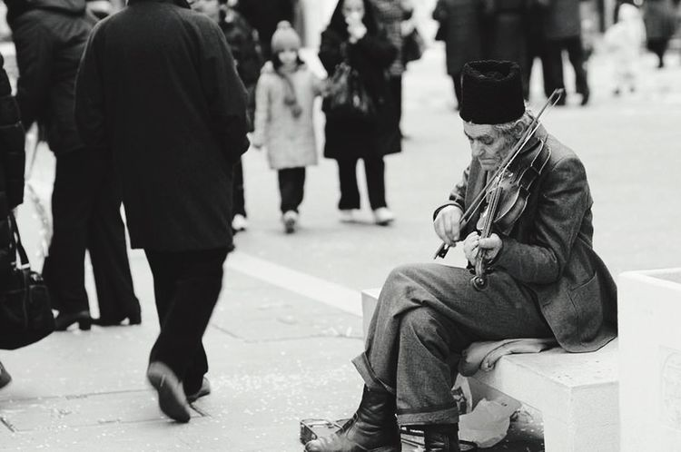 Capture The Moment Streetphotography People Life Blackandwhite Moments Oldman Violoncello Italy EyeEmNewHere